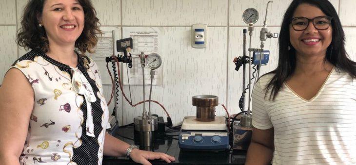Laboratório do CCT produz biocombustível a partir de óleo de cozinha que seria descartado